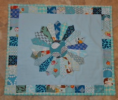Dresden Blues Mini (Lucy & Norman) Tags: blue doll quilt mini amybutler dresdenplate fleamarketfancy heatherross dqs8