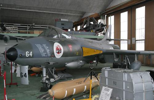 J-4064
