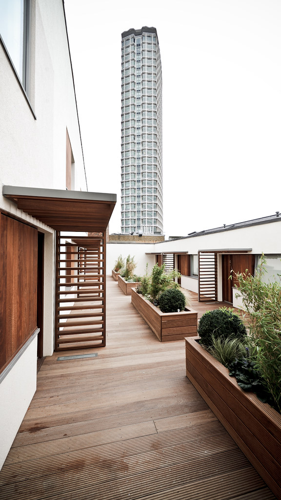 Tottenham Court Road residential courtyard (ESA)