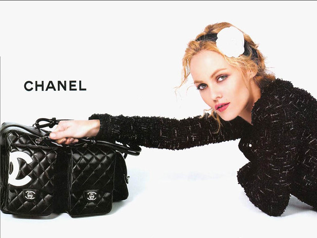 Vanessa-Paradis-Chanel-chanel-2561066-1024-768 by AmeliieInjoliie