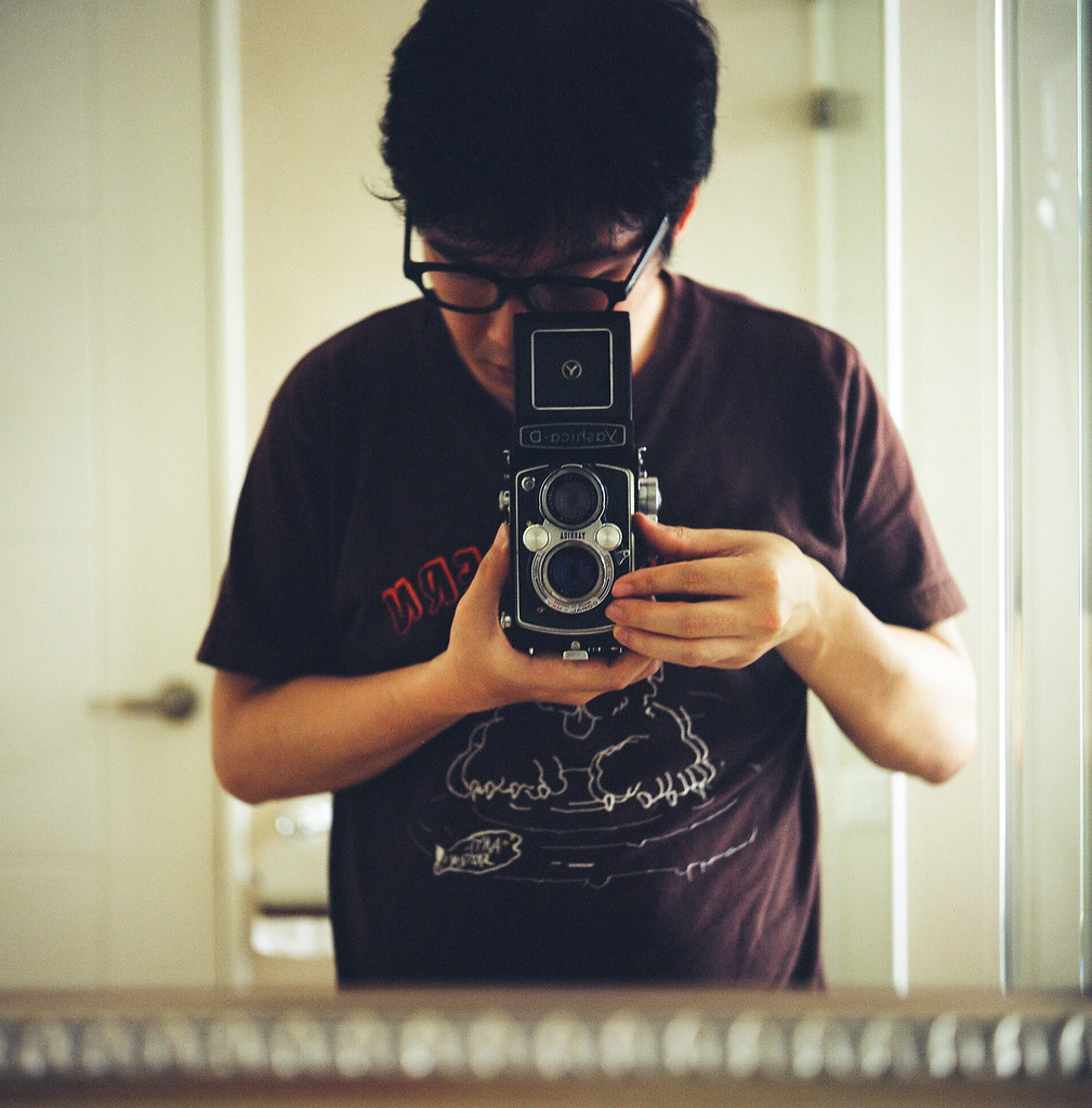 Selfportrait with my Yashica-D