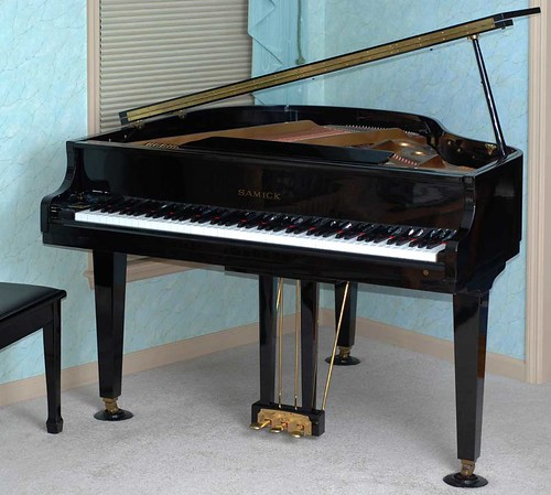 Baby grand piano dimensions baby grand baby bedroom suites for Size of a baby grand piano