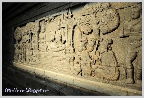 Replika Candi Borobudhur