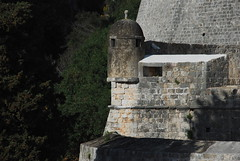 Above Pile gate (oranges and lemons) Tags: old stone wall mediterranean mediterraneo stones croatia dubrovnik croacia adriatic adriatico hrvatska jadran