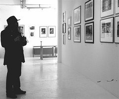 Self portrait at Gallery Lissabon (Akbar Sim) Tags: bw selfportrait holland blancoynegro me netherlands zwartwit nederland denhaag bn exposition thehague haagsbakkie gallerylissabon akbarsim