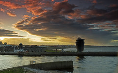 Aberdeen Harbour Sunset (w11buc) Tags: sunset clouds canon scotland aberdeenshire harbour aberdeen 7d 5photosaday greatscot 1585mm