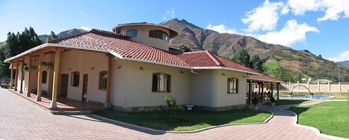 4582681903 ee42682ed8 Ecuador MLS Update July 2010