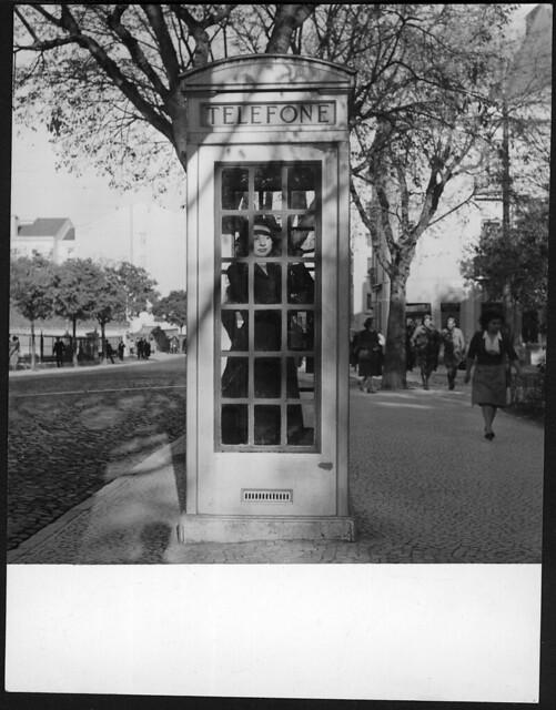Cabina teefónica, Jardim Constantino (F.S. Cordeiro, s.d.)