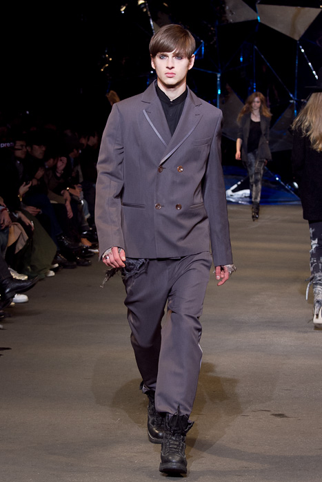 Lucas Mascarini3252_FW10_JFW_DIESEL BLACK GOLD(Fashionsnap)