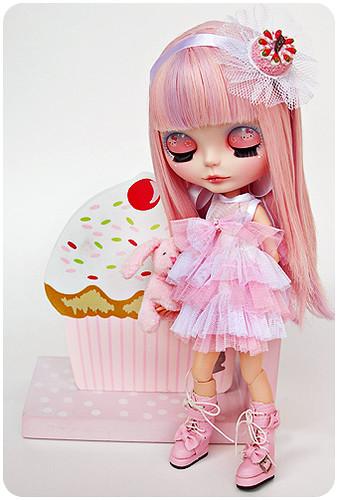 Pinkachu's Cupcake by Milkdoll.