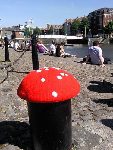 Arnolfini toadstool yarnbomb