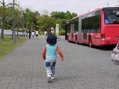 P1010339 (ryoki) Tags: bus walking vehicle fujisawa keio shonandai keiouniv keiouniversity twinliner kanachu articulatedbus byrika risei photobyrika kanachubus ツインライナー kanagawachuo かなちゅうバス 湘25系統 連接バス 連節バス