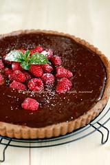 Crostata alla crema di cioccolato e lamponi