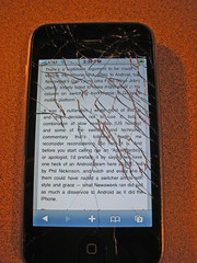 cracked iphone screen - Day 4 (by zooboing@flickr)