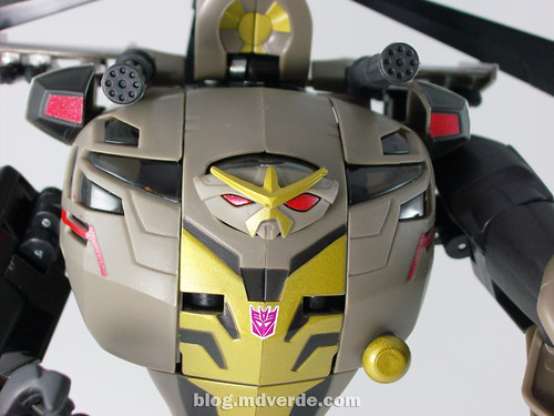 Transformers Blackout Animated Voyager Takara - modo robot