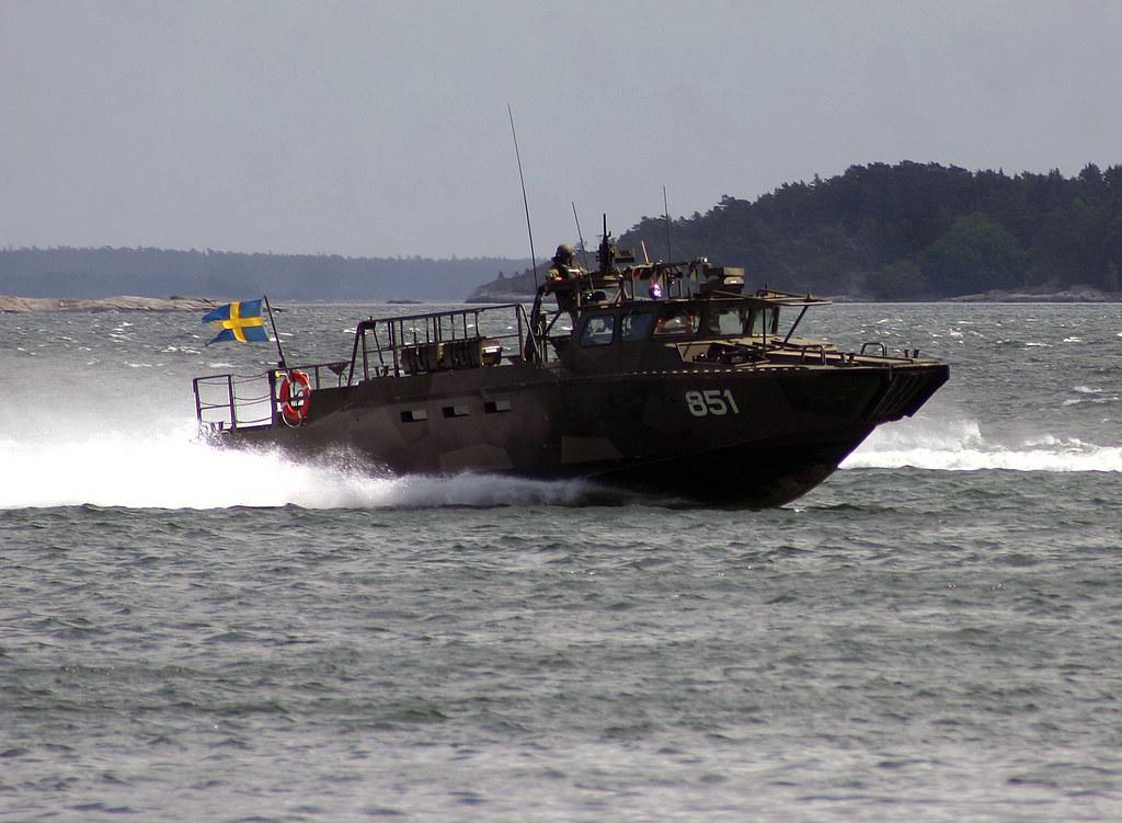 Combat Boat 90