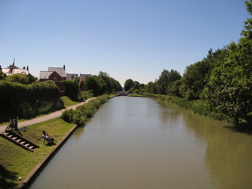 Another view of the top of the Caen Hill flight of locks on the Kennet and Avon canal. June 2010.