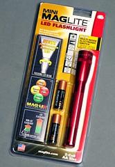 Thanks to Gerreeeee for this wonderful Mini Maglite LED! (joelCgarcia) Tags: duracell d300 105mmf28gvrmicro nikkor105mmf28gvrmicro picomundostudio minimagliteled2aa