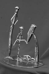 clous2 (pedrobigore) Tags: sculpture chien table bateau poisson métal fer masque acier danseuse récup volant bestioles récupération soudure soudeur féraille akouma hipocamppe