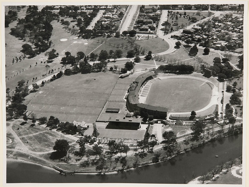 Looking NW across Adelaide Oval, Memorial Drive to Montefiore Hill