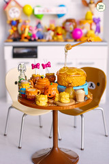 Pooh Cafe (Ylang Garden) Tags: pooh cafe sweet honey cake miniature rement bread
