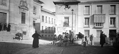 Plaza del Padre Juan de Mariana de Toledo a finales del siglo XIX. Fotografía de Alexander Lamont Henderson