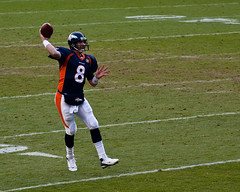 Orton Picks His Receiver (Chase Hoffman) Tags: blue winter people color men green field canon person eos football colorado nfl denver telephoto broncos chiefs gridiron invescofield denverbroncos kansascitychiefs invesco kyleorton canonef70200mmf4lusm 40d chasehoffman canoneos40d chasehoffmanphotography