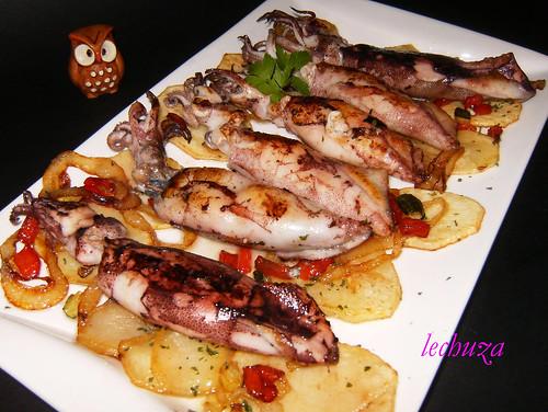 Chipirones plancha con patatas-fuente