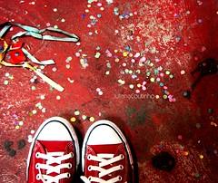 . End of party (Juliana Coutinho) Tags: red party selfportrait self myself star all sony days fim end 365 juliana festa allstar 2010 coutinho confete salgueiro 365days ngmmemuda julianacoutinho