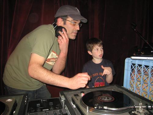 Beard Fest DJ Lesson