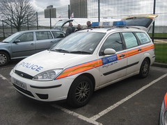 met police ford focus dog unit 2000s (NW54 LONDON) Tags: bluelights fordfocus metpolice policevehicles fordfocusdogunit