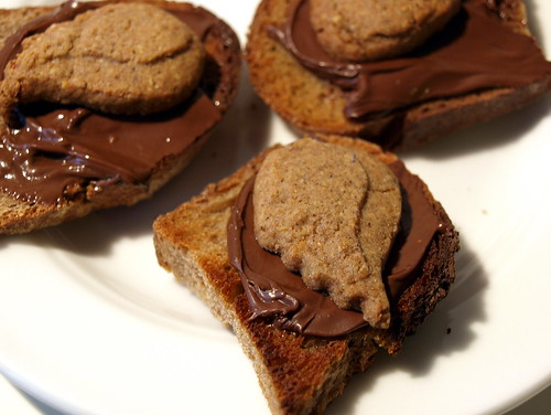 Sonnentor - Schutzengel Kekse auf Nutellabrot