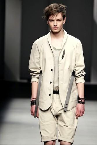 Zdenek Zaboj3093_FW10_Barcelona Fashion Week_Karlotalaspalas(lizzylily)