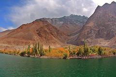 the other side of sadpara lake , PAKISTAN (TARIQ HAMEED SULEMANI) Tags: autumn pakistan tourism trekking hiking north lakes tariq skardu sadparalake sadpara the4elements concordians sulemani