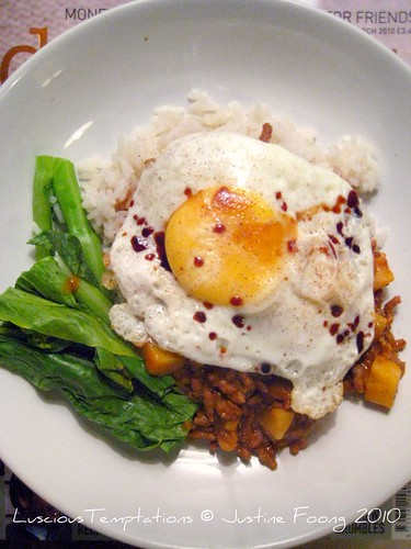 Mince with Potatoes, Fried Egg and  Green Veg - Week Day Dinner