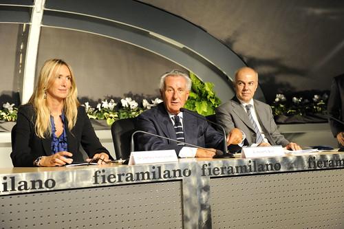 Edoardo Croci inaugura l'EICMA con il ministro all'ambiente Stefania Prestigiacomo e il presidente Guidalberto Guidi, 18 settembre 2009