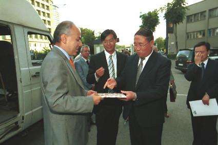 Edoardo Croci incontra con il ministro dell'ambiente cinese, 11 settembre 2001