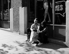 Just say yes (Ian Brumpton) Tags: street blackandwhite bw blancoynegro blackwhite noiretblanc yes candid citylife streetphotography londres coventgarden biancoenero howdeepisyourlove justsayyes londonstreetphotography aimlessstrolling blackwhiteheartbeats aprisonerofyourlove