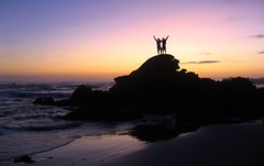 On Top (flizn) Tags: light sunset sea sky people reflection beach portugal water dark meer sonnenuntergang top ixus shore sonne 800 2009 felsen untergang riff iphotooriginal