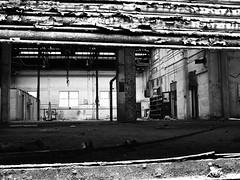 Baruser Stocks Ltd (Sheffield, Dunfields) Black and White. (diavolo_felice) Tags: uk england sheffield 2010 southyorkshire dunfields baruserstocksltdsheffielddunfields baruserstocksltd