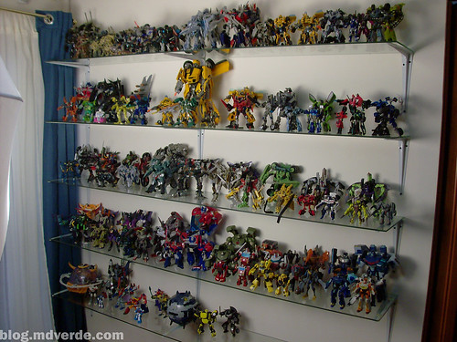 Mi colección de Transformers (02-May-2010) - Estante 2 - Movie - RotF - Animated - Otros