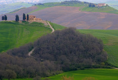 Casa di campagna nel verde - A countryhouse in the green (Tuscany, Italy)