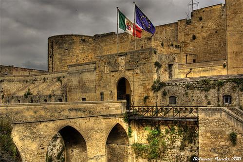 italia monumento castello salento puglia hdr sud scorcio... (Photo: roberto.rando on Flickr)