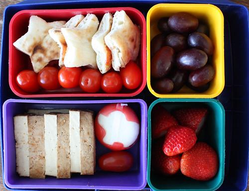 Kindergarten Bento #320: May 4, 2010