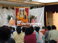 SwmiMkndDiscrsPic10 (OurTripVideos) Tags: new trip our yoga by silver us dc washington spring md delhi talk hampshire teacher iit meditation geeta spirituality avenue videos calcutta swami iim mandir shri mangal maharaj shree bhagavad ramayan jagadguru vedas discourses 17110 upanishads puranas bhagavatam kripaluji ourtripvideos crlapindfrn mukundananda