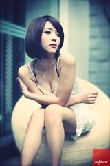 12 (^o^y) Tags: woman girl lady asian model taiwan showgirl sg taiwanese                l92833