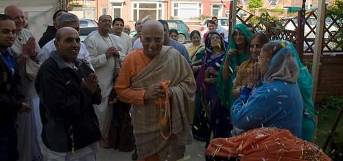 H H Bhakti Caru Swami 2010 - 0032 por ISKCON desire tree.