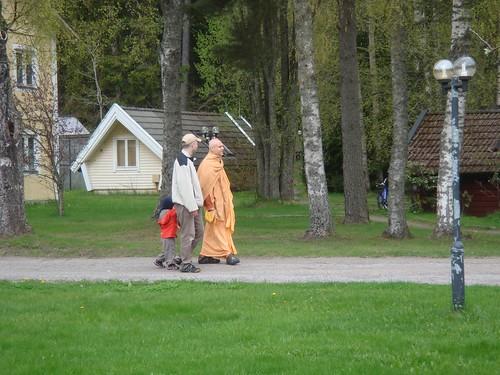 Kadamba Kanana Swami Korsnas Gard and at Ugrasena's 14th May 2010  -0048 por ISKCON desire tree.