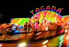 Carousel of happyness (pepe50) Tags: travel light party parco canon flickr emilia leisure lunapark luci modena carpi piscine 2010 fiera happyness divertimento eos450d tagad pepe50