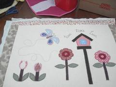 quiltado (Patchwork Sonia Ascari) Tags: flores quilt passarinho borboleta travesseiro almofada molde tulipa casinha almofadas patchcolagem feagro patchworkmolde